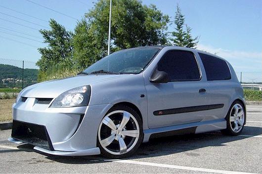 Clio II сходит с авансцены европейского рынка.  Модель, выпускающуюся с 1998 года, отправляют на заслуженную пенсию.