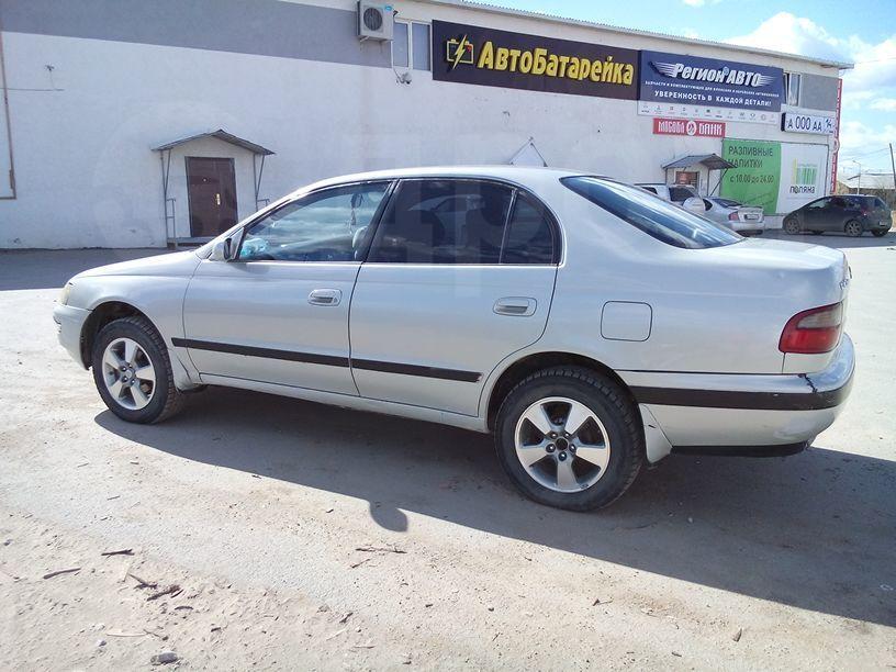 Toyota corona 1994 год 200 000 руб