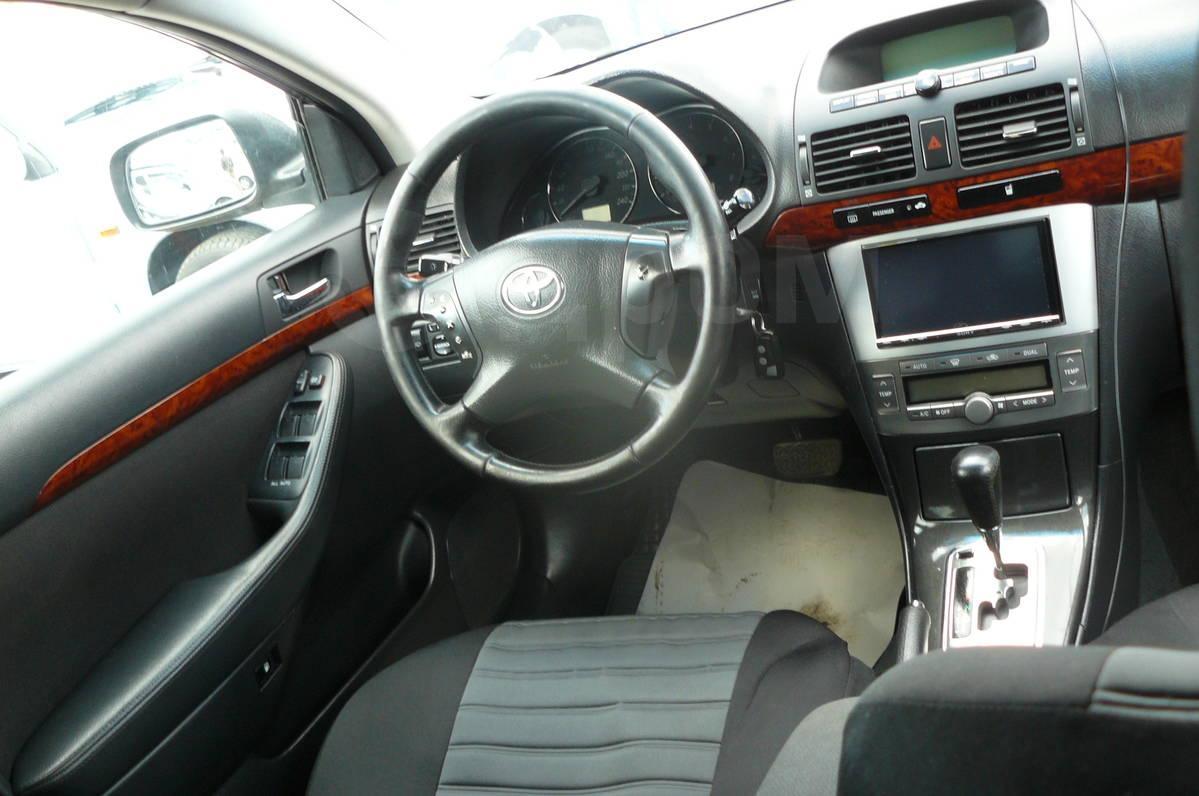 Тойота авенсис 2004 фото