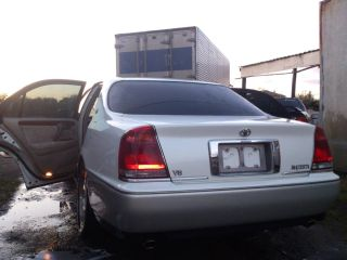 2001 Toyota Crown Majesta 33K! EXTREMELY COMFORTABLE RIDE ...