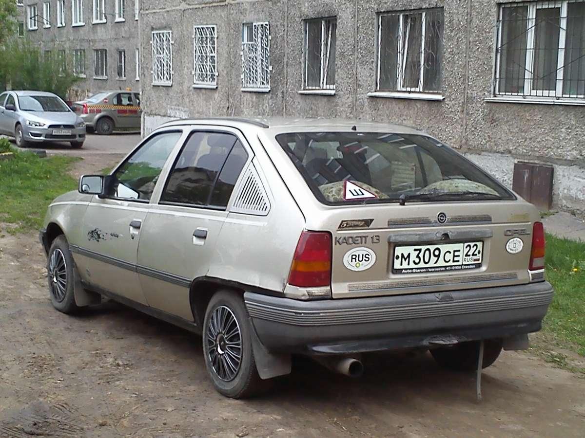 опель кадет 1987