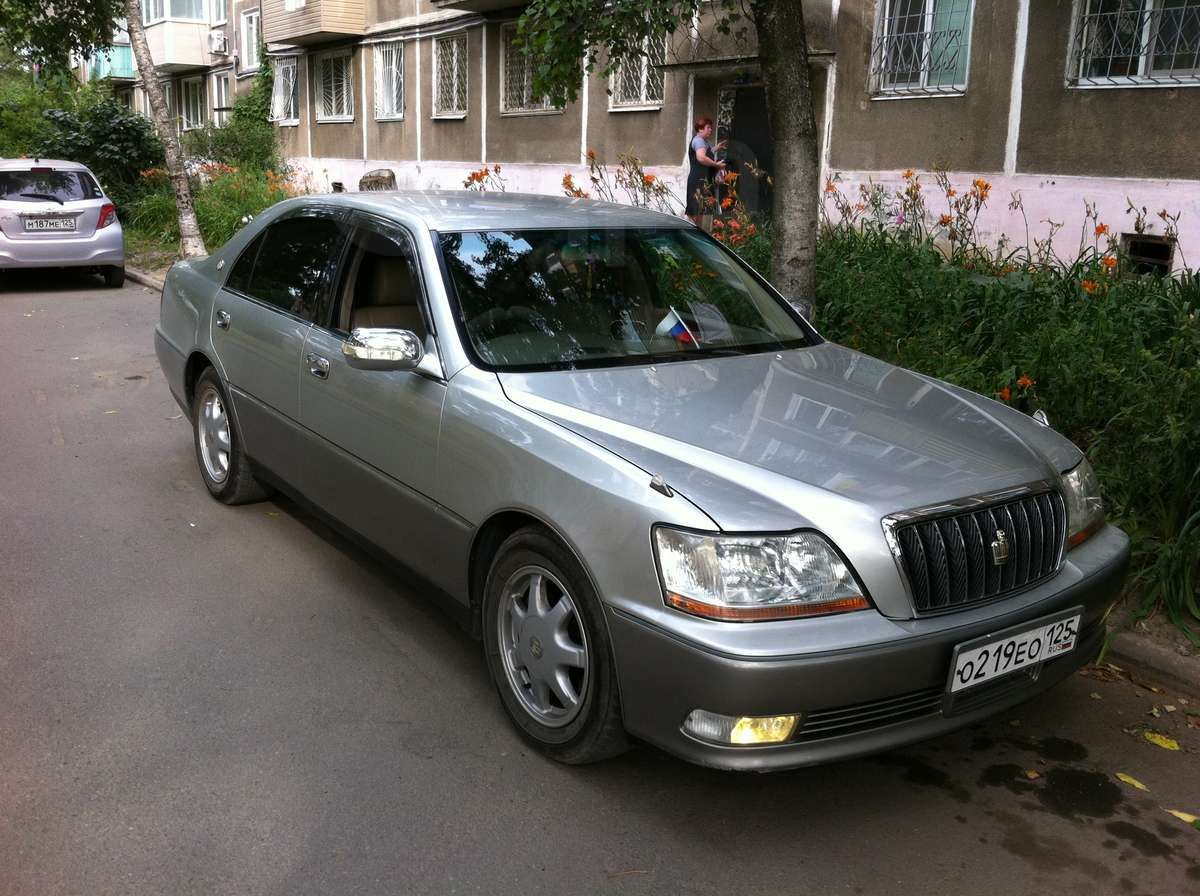 2001 Toyota Crown Majesta 3.0 C specifications ...