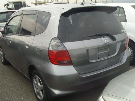 Honda Fit 2005 - отзыв владельца