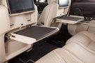 Дополнительно: Бизнес-столики для задних пассажиров (центральная часть столика обтянута кожей) (стандарт)<br /> Металлические накладки на педали (стандарт)<br /> Стальные накладки на пороги с надписью Jaguar с подсветкой (стандарт)<br /> Инталия с надписью &quot;Autobiography&quot; (стандарт)<br /> Аналоговые часы Jaguar (стандарт)<br /> Задняя шторка и шторки задних стекол с электроприводом (стандарт)<br /> Вешалки для верхней одежды в задней части салона (стандарт)<br /> Система распознавания столкновения с пешеходом Pedestrian Contact Sensing&#8482;(стандарт)<br /> Пакет Incontrol Connect Pro (InControl Apps; InControl Pro Services; Wi-fi)<br /> Пакет &quot;Премиум-2&quot; (два индивидуальных задних сиденья с функцией массажа с 3мя программами и возможностью наклона спинки; складной ЖК экран 10,2&quot; с поддержкой HD 16:9, дистанционное управление по Bluetooth; центральный подлокотник с управлением мультимедийной системой; сенсорный дисплей с технологией двойного изображения Dual view; бизнес-столики; регулировка боковых частей передних и задних подголовников; управление пассажирским сиденьем с водительского места) (опция)