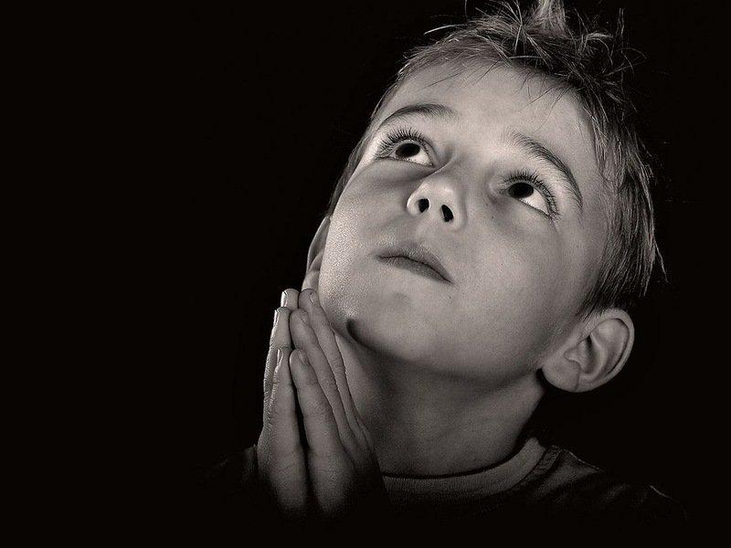 """Résultat de recherche d'images pour """"мальчик, который делает его молитву"""""""