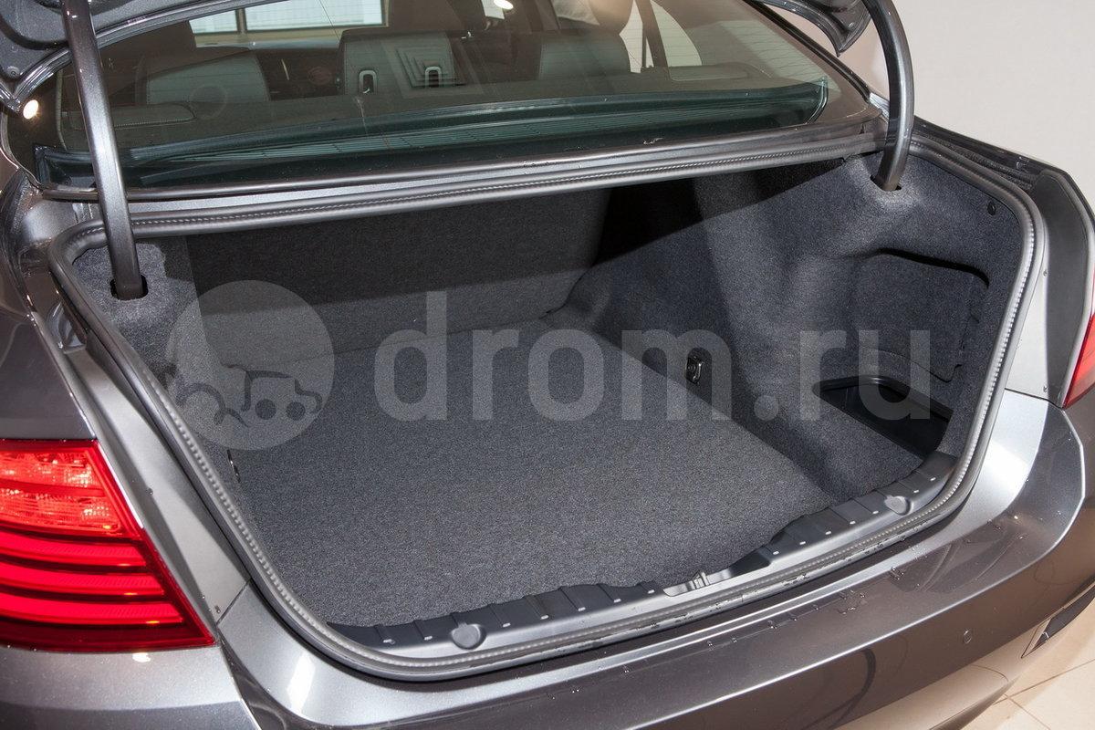 Вместимость багажника, л: 520