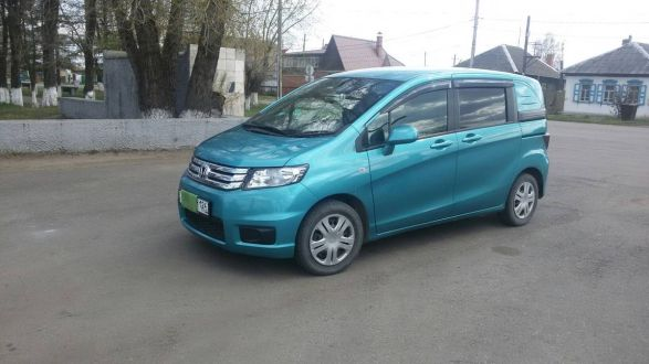 Продажа Honda Freed Spike в- neryungridromru