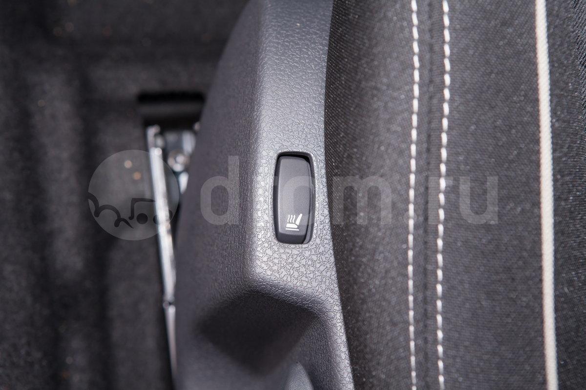 Электроподогрев передних сидений: опция