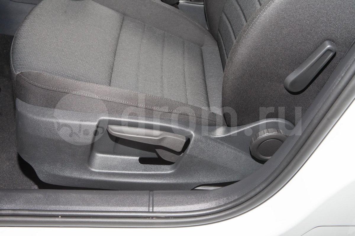 Электропривод передних сидений: опция