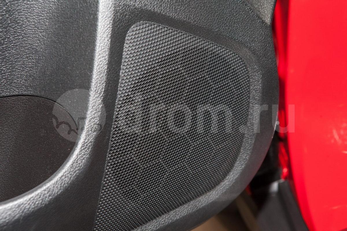 Дополнительное оборудование аудиосистемы: 6 динамиков, USB, SD