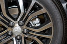 Задние тормоза: Вентилируемые дисковые