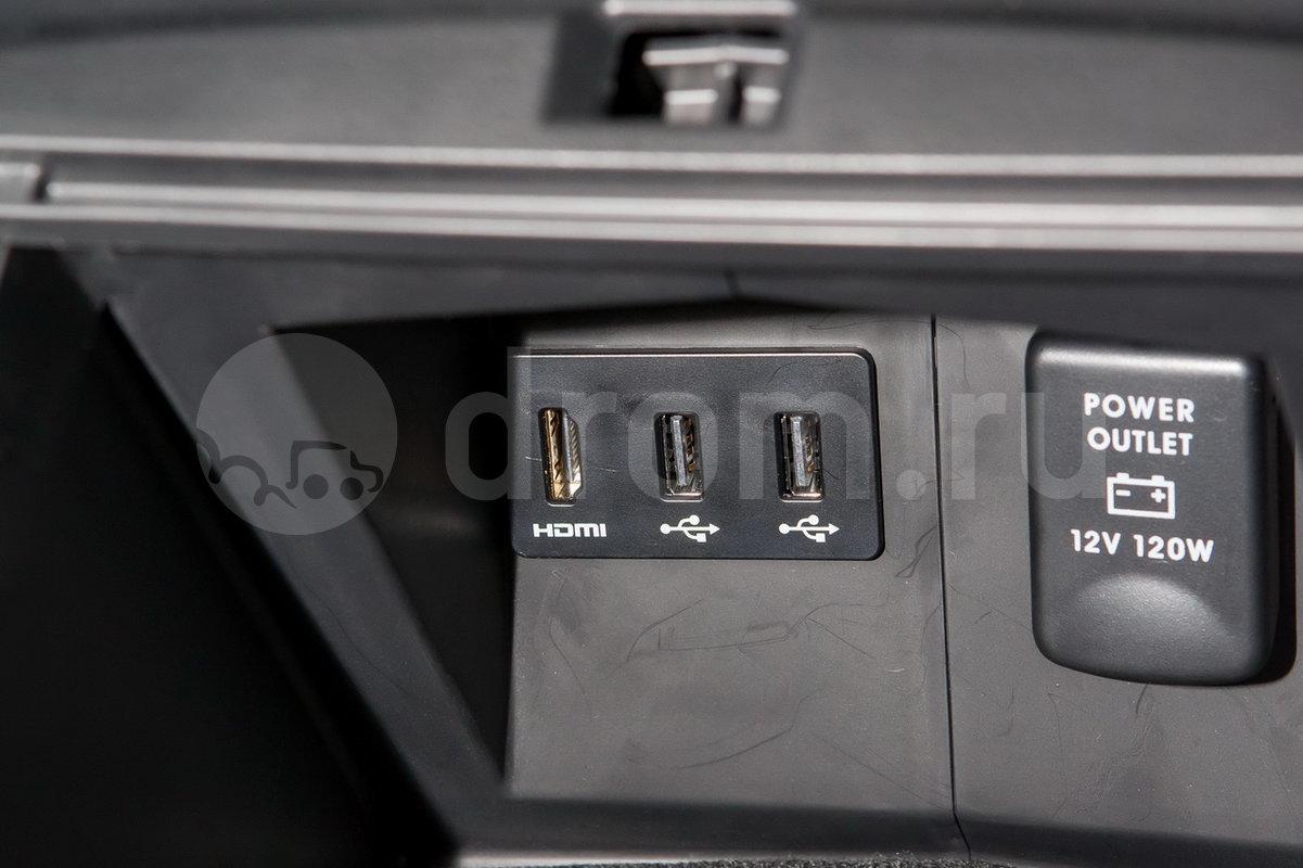 Дополнительное оборудование аудиосистемы: Мультимедийная система с интеграцией смартфона  Mitsubishi Power Sound System, 8 динамиков, USB