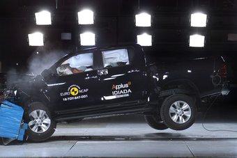 01.09.2016 В Европе проверили на прочность Toyota Hilux, Subaru Levorg и Kia Niro