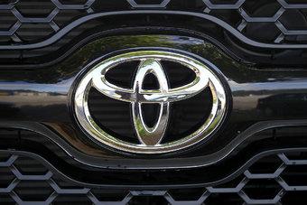 26.09.2016 Toyota обошла Mercedes по выручке в России