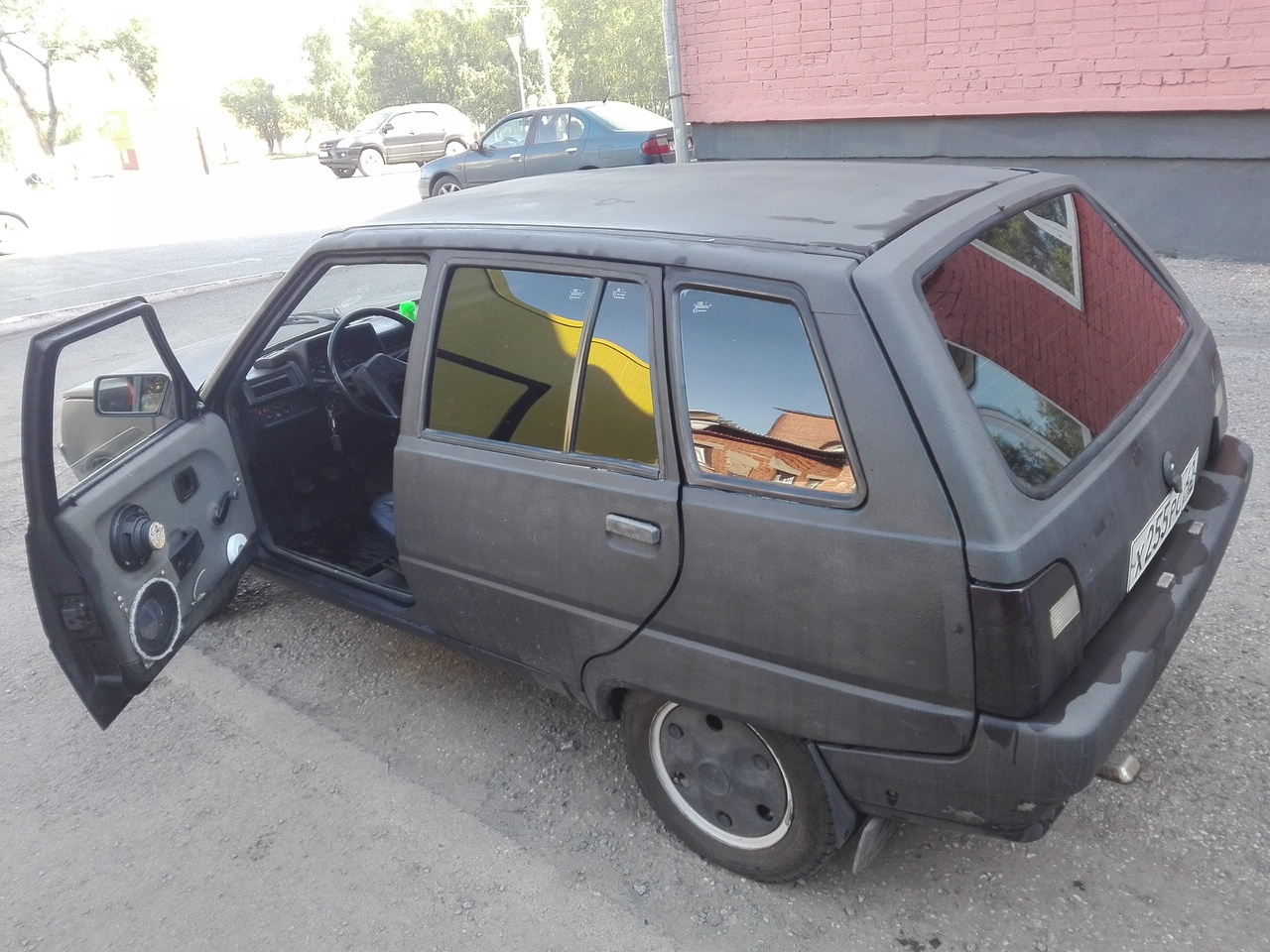 схема блока предохранителей форд эскорт 1997 двс 1,4
