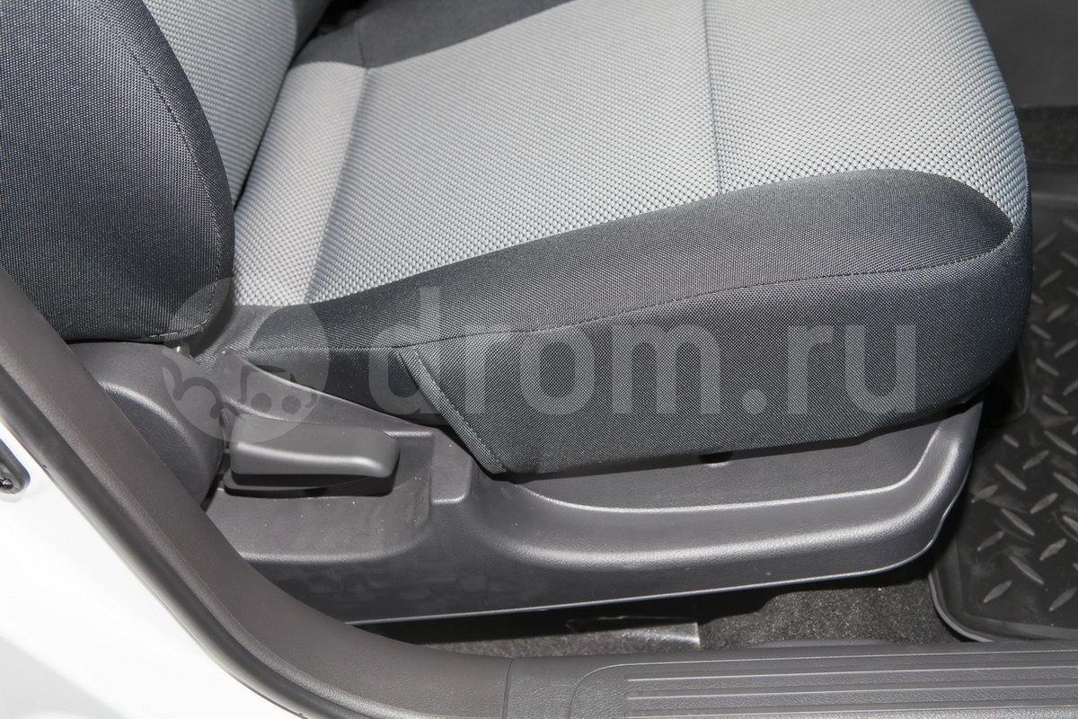 Регулировка передних сидений: механическая