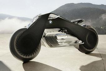 12.10.2016 BMW показал мотоцикл будущего