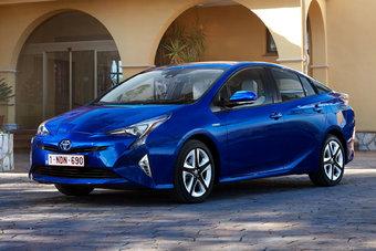 13.10.2016 Toyota отзывает Prius из-за дефекта ручного тормоза