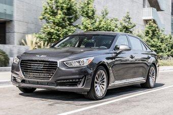 Строго говоря, относящийся к отдельной марке G90 является следующим поколением известной в РФ модели Hyundai Equus.