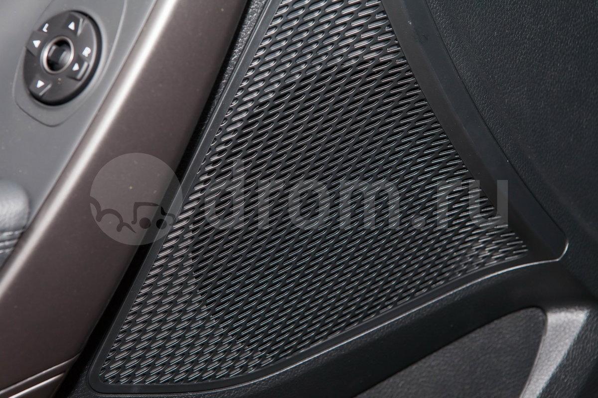 Дополнительное оборудование аудиосистемы: 6 динамиков, эквалайзер, USB, AUX, iPod