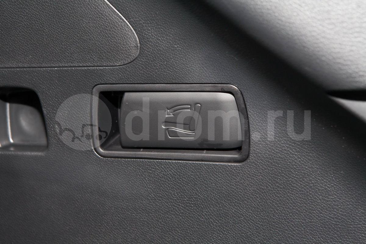 Дополнительное оборудование: Система ионизации воздуха, складывание спинки второго ряда сидений одним нажатием из багажника