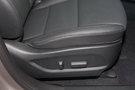 Регулировка передних сидений: Электрорегулировка сиденья водителя в 12 направлениях, электрорегулировка сиденья пассажира, электрорегулировка поясничного подпора сиденья водителя