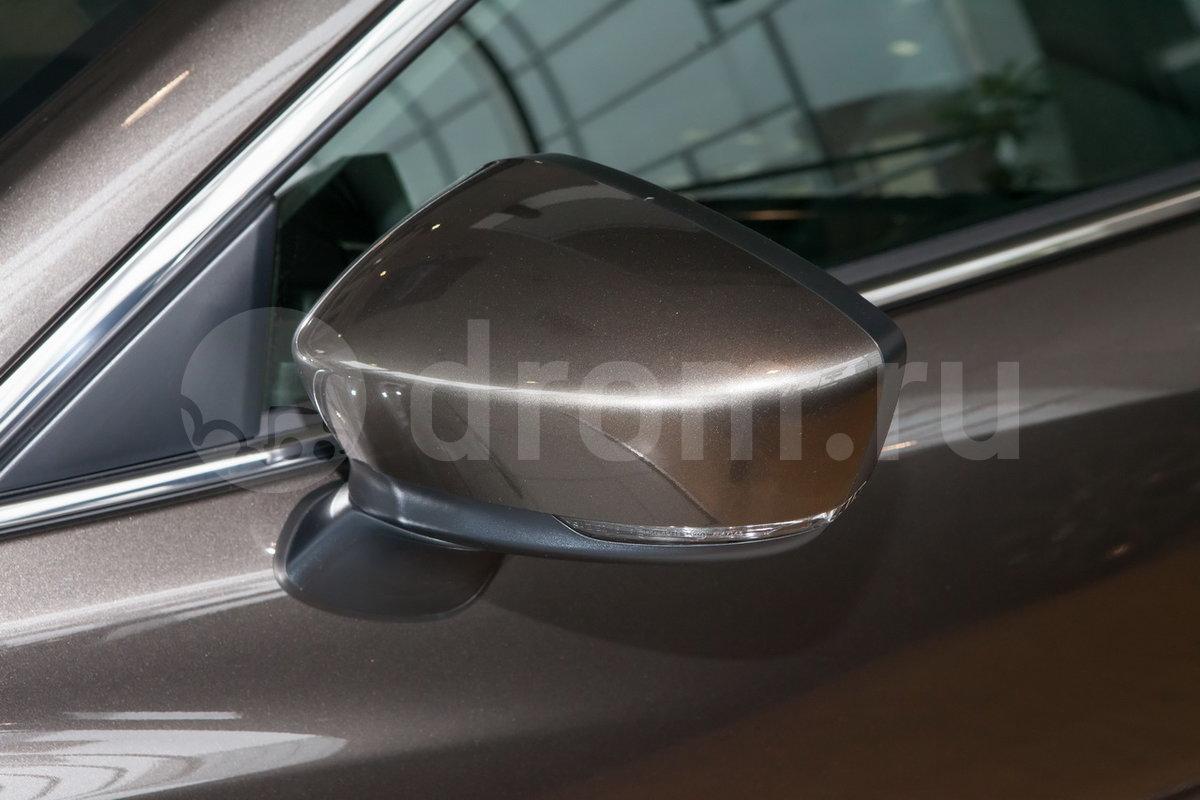Боковые зеркала в цвет кузова: да