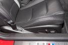 Регулировка передних сидений: Регулировка сиденья водителя по 8 направлениям и пассажира - по 6 направлениям