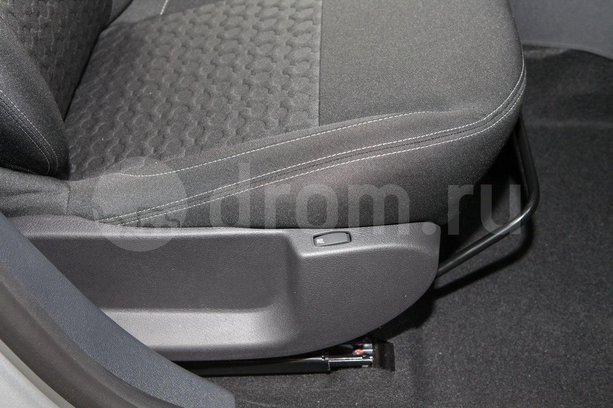 Регулировка передних сидений: Механическая регулировка высоты сиденья водителя