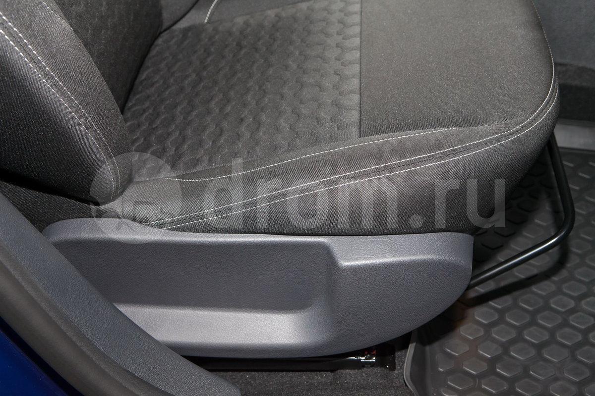Регулировка передних сидений: Механическая регулировка водительского сидения по высоте