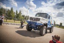 По мнению главы КАМАЗа, организаторы ралли «Дакар» специально меняют регламент с целью усложнить участие российской команды.
