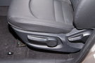 Регулировка передних сидений: Механическая регулировка водительского сиденья в 6 направлениях, пассажирского - в 4 направлениях