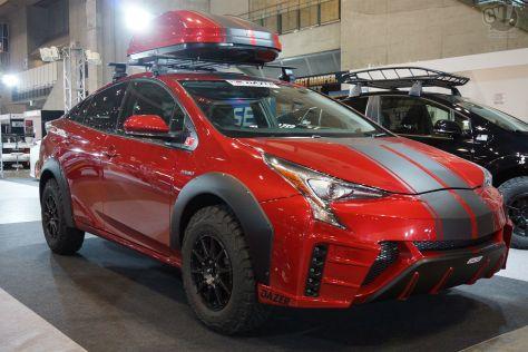 Идея доработать Prius для бездорожья пришла не самой Toyota, а независимой тюнинговой компании Dazer.