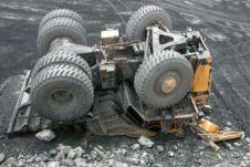 Как сообщает региональная пресс-служба МЧС, авария произошла в угольном разрезе.