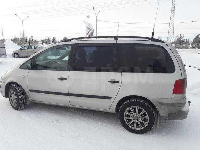 Продам подержанный volkswagen sharan дешево