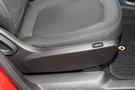 Регулировка передних сидений: функция регулировки спинки сидения одним движением для водителя и пассажира