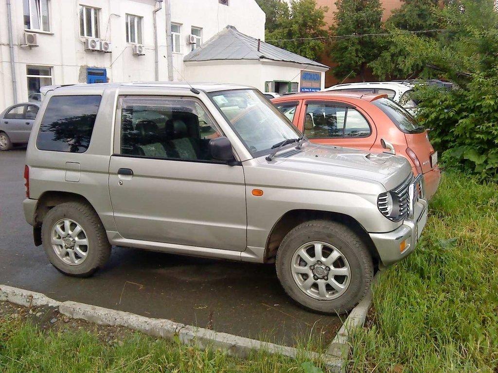 mitsubishi pajero mini, 1998 год