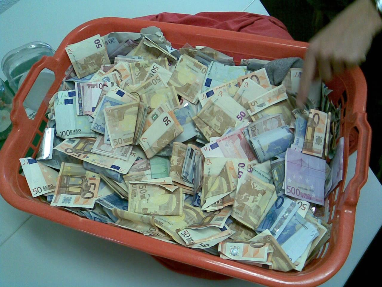 где занять много денег