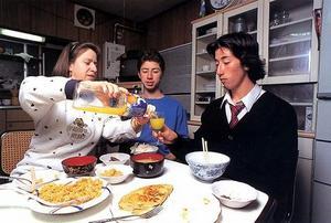Завтрак и ужин для Варгас - это возможность приятно провести время с детьми. В рабочие дни она приходит домой, чтобы приготовить им что-то вкусненькое, а после еды отправляется обратно на работу