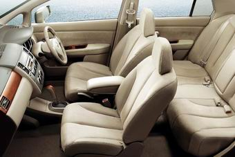 Nissan Tiida Premium Interior
