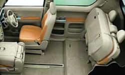 Toyota Porte – автомобиль концептуальный. Но как и все концепты компании Toyota, он способен быть не только шоу-стоппером, но и нормальным транспортным средством. То есть годным для ежедневной эксплуатации и ежедневного эпатажа окружающих.
