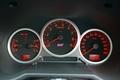 Как видите, спидометр автомобиля, оснащенного двигателем с турбонаддувом, размечен до 260 км/ч. Да, лишний раз подчеркнуть высокие скоростные качества автомобиля не помешает!