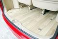 Опционально устанавливаемое деревянное покрытие пола придает салону свежесть и делает его по-домашнему уютным. Воистину, Honda была бы не Honda, если бы не предложила что-то новенькое!