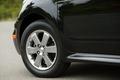 Все автомобили модификации А оборудованы 6-спицевыми алюминиевыми колесными дисками и шинами размером 185/65R15.