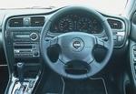 Передняя панель в салоне Subaru Legacy B4.