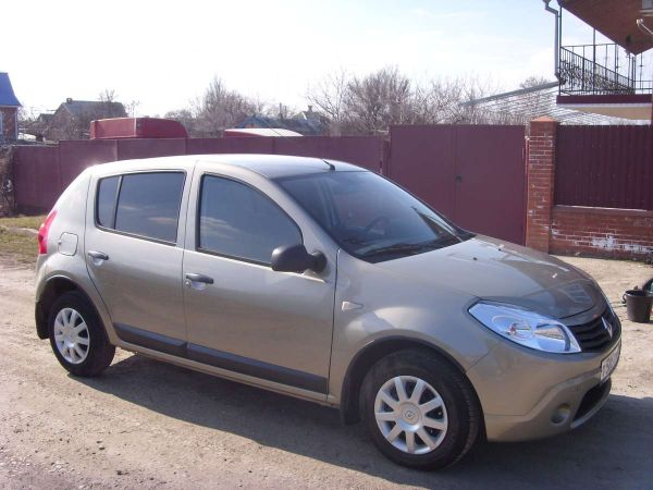 Renault Sandero, 2010 год, 355 000 руб.