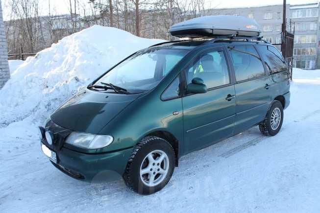 Volkswagen Sharan, 2000 год, 320 000 руб.