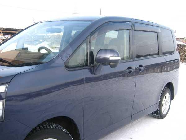 Toyota Voxy, 2007 год, 650 000 руб.