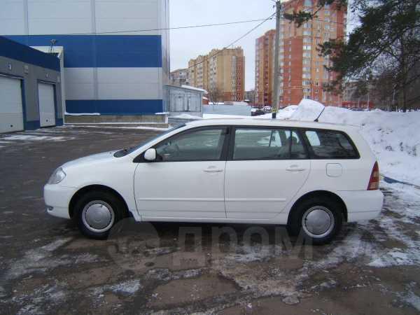 Toyota Corolla Fielder, 2001 год, 260 000 руб.