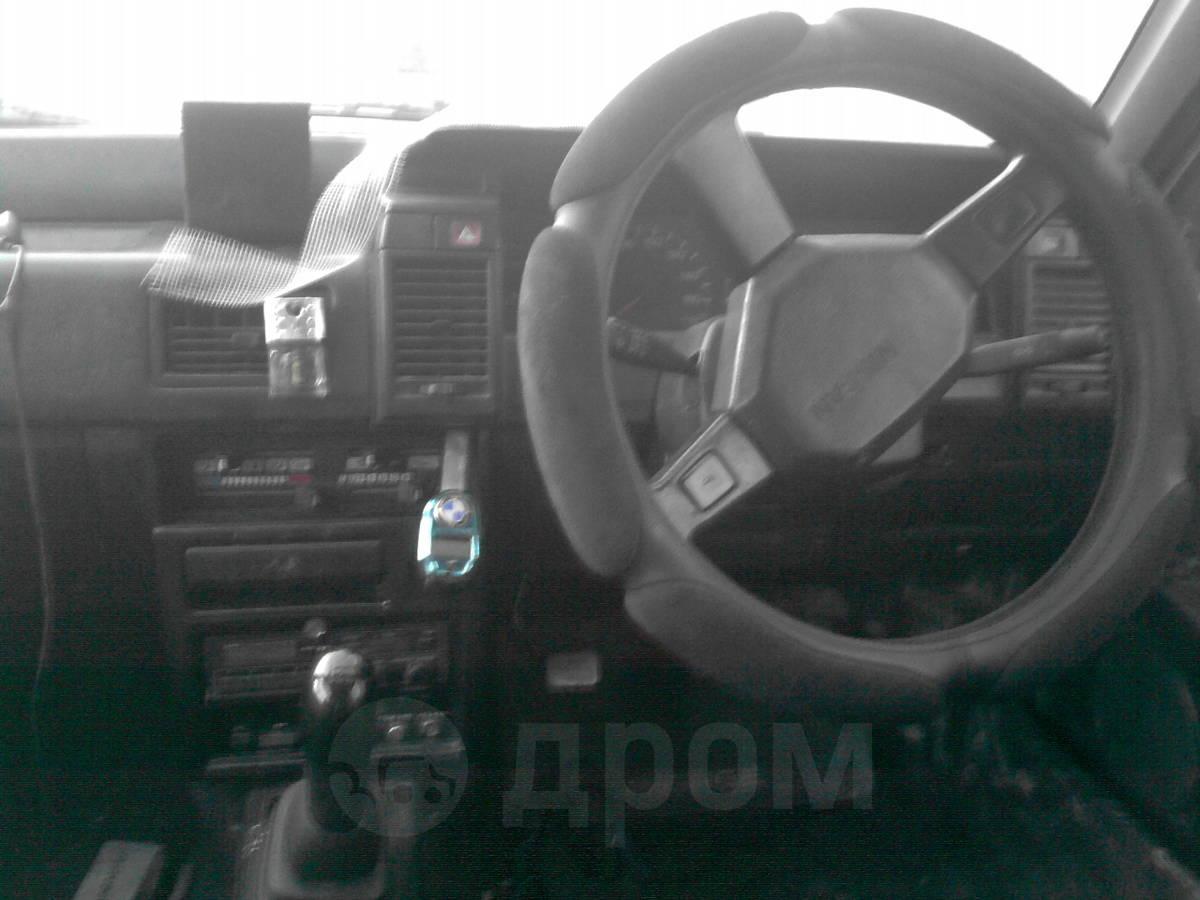 фото авто nissan liberty 1987 года